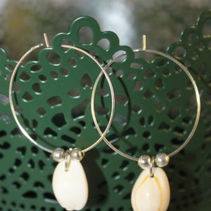 Boucles d'oreilles coquillages sur anneaux