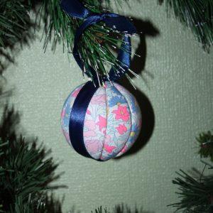 Boule de Noël en tissu 8 cm